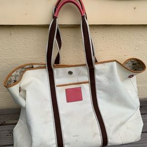 Giant Coach Tote